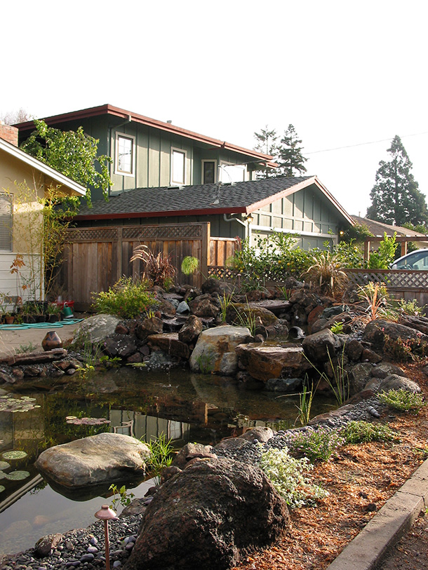Palo Alto Front Yard Pond with Waterfall and Boulders ... on Front Yard Pond id=18456